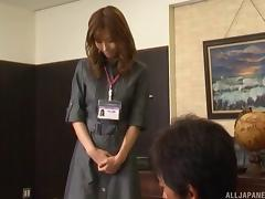 Japanese office girl goes out of her way to please her boss hardcore