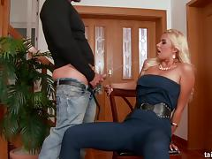 Best-looking blonde ever getting her hole humped on the floor