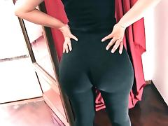 Enormous Big Round Ass! Tiny Waist! Cameltoe Pussy. Spandex