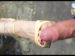 Shoejob Cum on Shoes Feet Outdoor