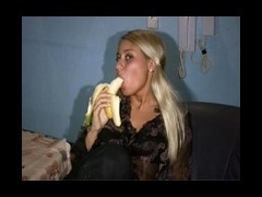 Fantastic homemade video Fantastic homemade video with saucy blonde amateur peeling and eating fat b