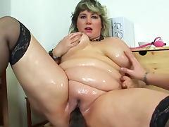 Hardcore busty babe Lusita is masturbating her pussy