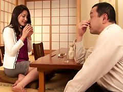 Bored housewife Hanai Meisa gets fingered and fucked by stranger