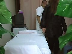 Spy cam in massage room shoots amateur