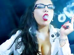 ALEXXXYA SMOKING
