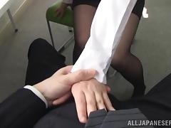 Beautiful press conference blowjob from Chika Hirako