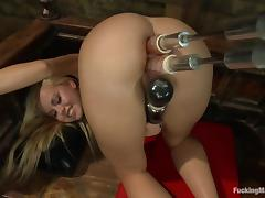 Pretty Jessie Rogers gets toyed in both holes at once