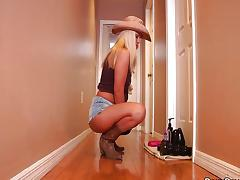 Ride Em Big Cowgirl - Roxy Raye