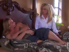Hunger of Amber Lynn to eat a cock is reaching its peak