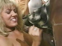 Retro scene with alluring blonde