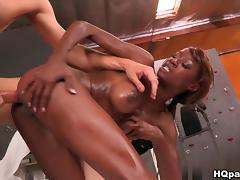 RoundAndBrown - Angel ass